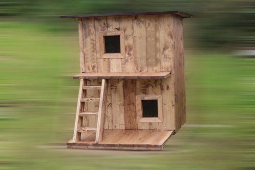 Будка для собак двухэтажная